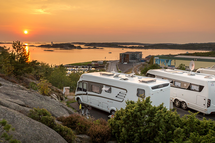 Protect campervan and caravan from theft with MiniFinder